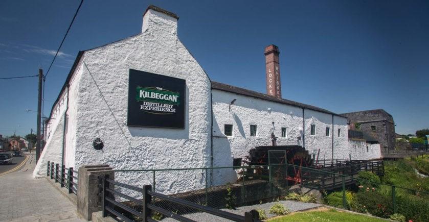 Cafe Bulldog Palenice Whiskey distillery Connemara